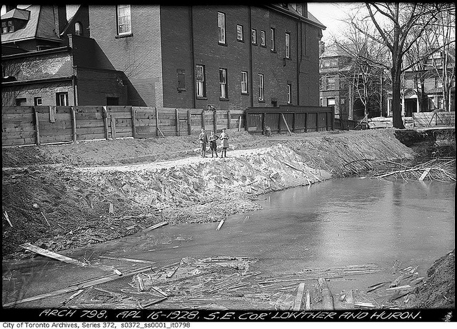 Taddle_Creek_1928_Arthur_Goss_courtesy_Toronto_History_CC_BY_2.0